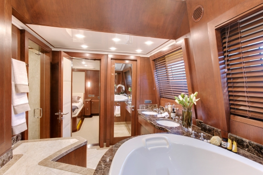 Motor Yacht Masteka 2 for charter - master bathroom