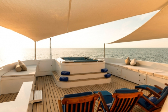 Motor Yacht Northern Sun for charter - sundeck jacuzzi