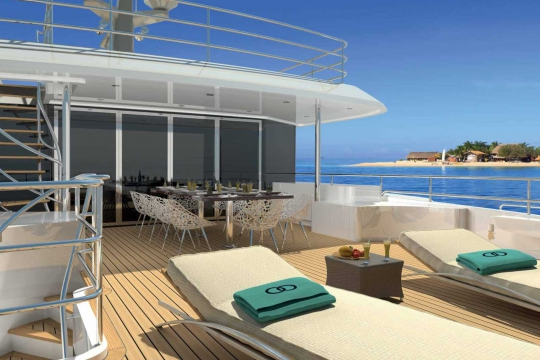 Motor Yacht Martinique - sundeck