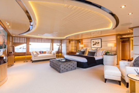 Motor Yacht QM of London Benetti for charter - master cabin