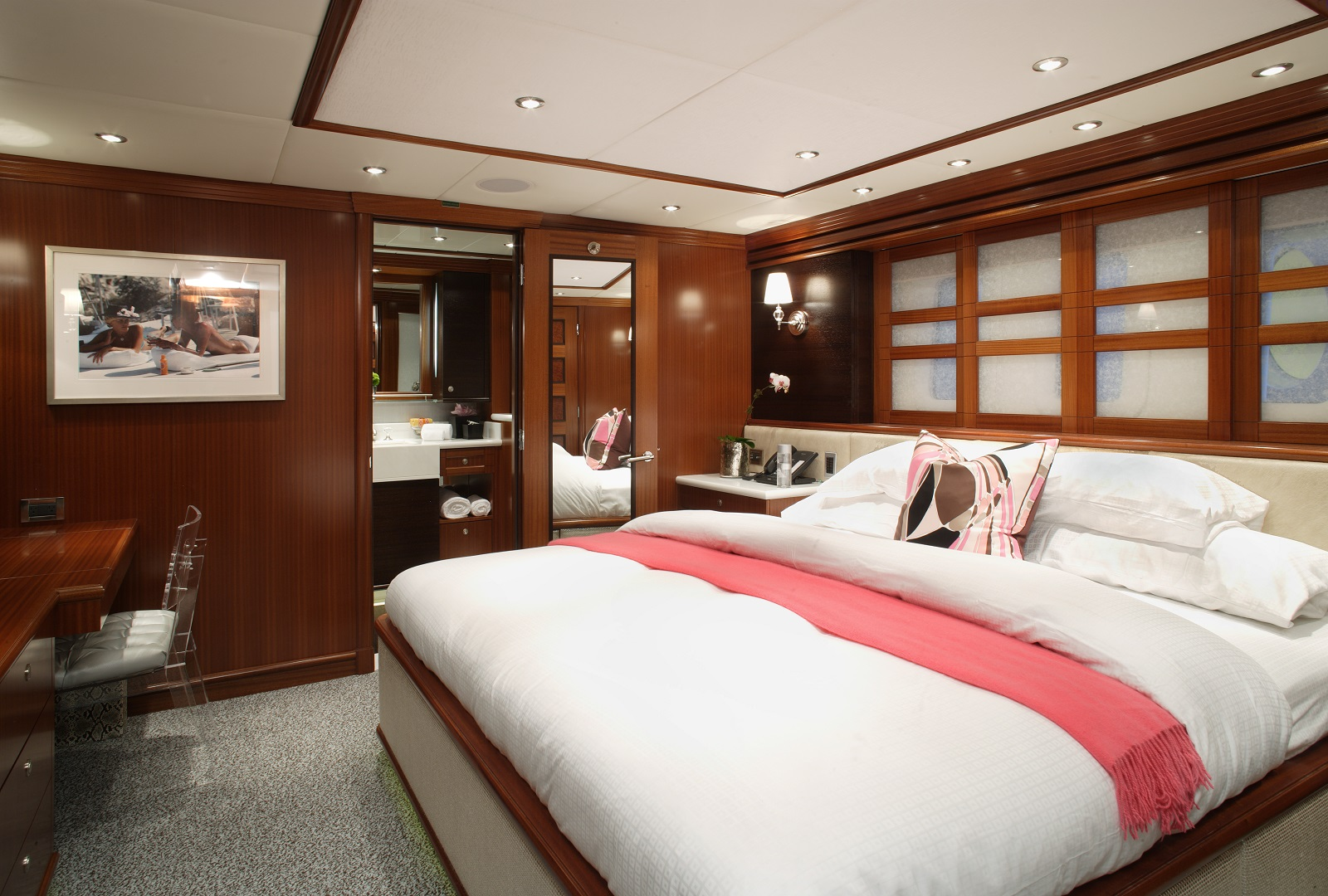superyacht rockstar split level master suite yacht club ex rockstar yacht luxury yachts 56852