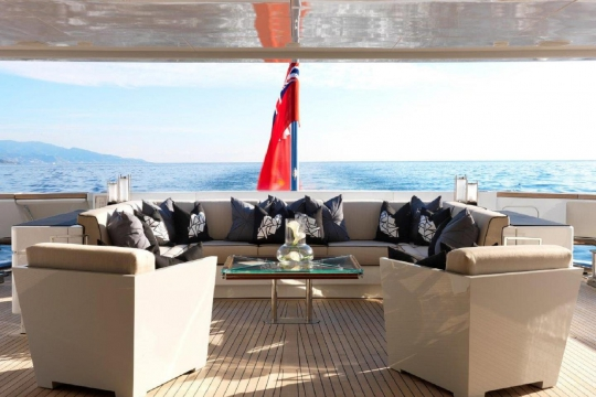 Motor Yacht Sealyon - main deck aft