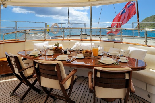Sailing Yacht Drumbeat Alloy yacht for charter - dining