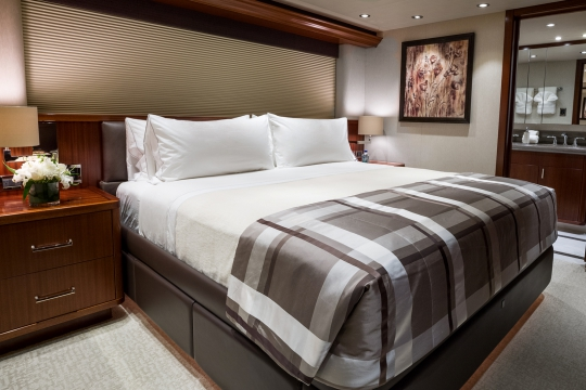 Motor Yacht W - guest stateroom