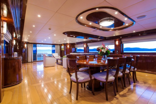 Silentworld - main saloon looking aft