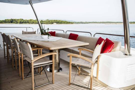 Motor Yacht Sunseeker 34 for sale - main deck aft dining