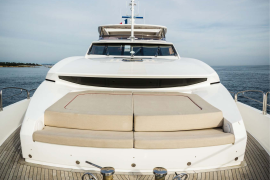 Motor Yacht Sunseeker 34 for sale - forward sunbathing