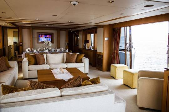 Motor Yacht Sunseeker 34 for sale - saloon
