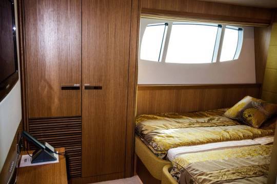 Motor Yacht Sunseeker 34 for sale - twin cabin