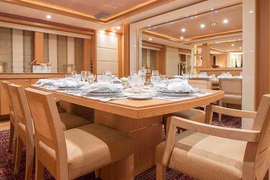 Motor Yacht Sunseeker 34 for sale - dining