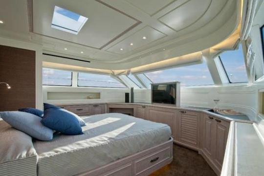 Motor Yacht SD92 for sale - master cabin