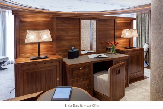 Heesen yacht Alive for sale - upper deck master stateroom office