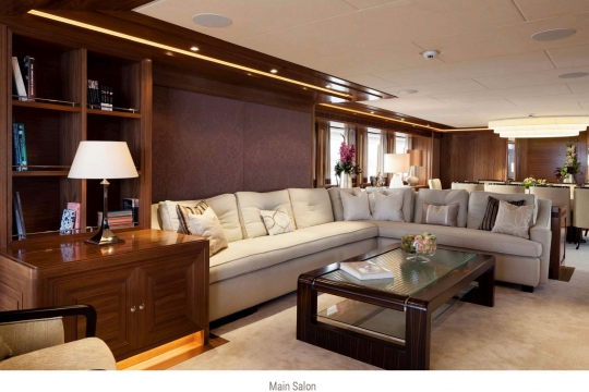 Heesen yacht Alive for sale - saloon