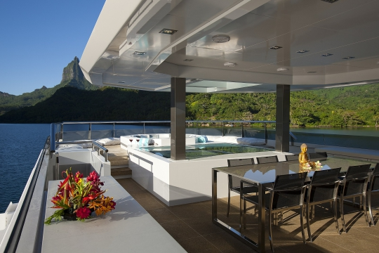 Motor Yacht Big Fish for charter - sundeck
