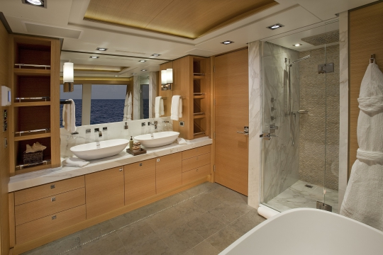 Motor Yacht Big Fish for charter - vip bathroom
