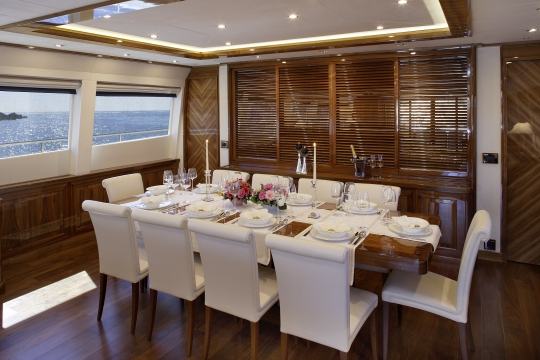 Motor Yacht Dragon Couach for charter - dining room