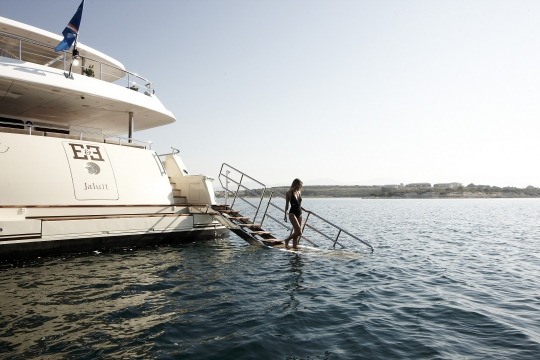 Motor Yacht E&E for charter - swimming platform