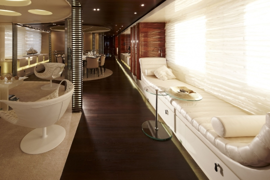 Motor Yacht E&E for charter - saloon and dining room