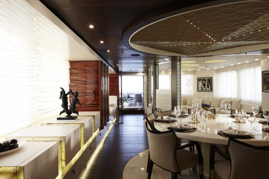 Motor Yacht E&E for charter - dining room