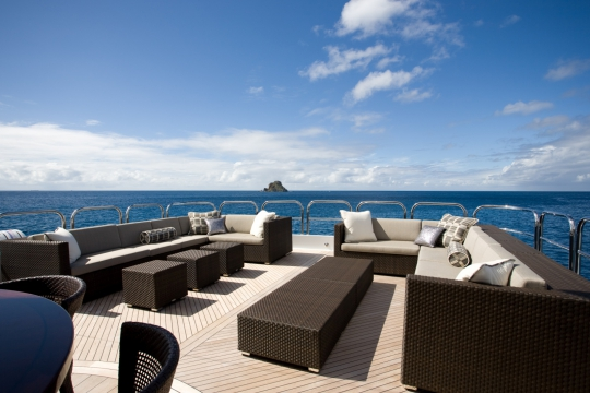 Motor Yacht Blind Date - seating area