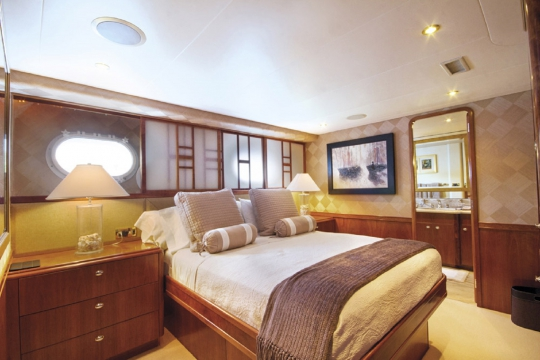 Motor Yacht Endless Summer Westport for charter - double guest cabin