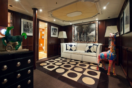 Motor Yacht Force Blue Royal Denship for charter - vip lounge