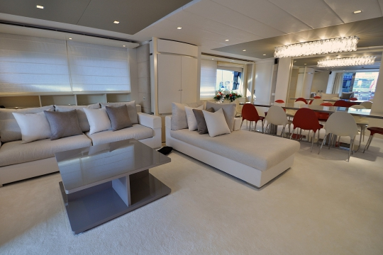 Motor Yacht Gems for charter - Saloon and dining
