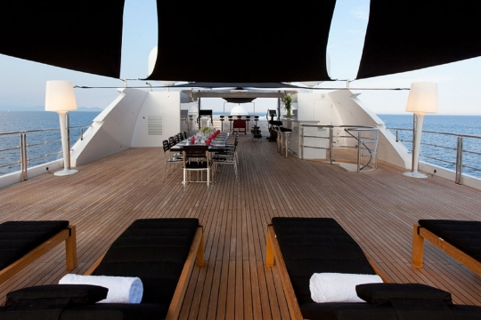 Motor Yacht Idol for charter - sundeck